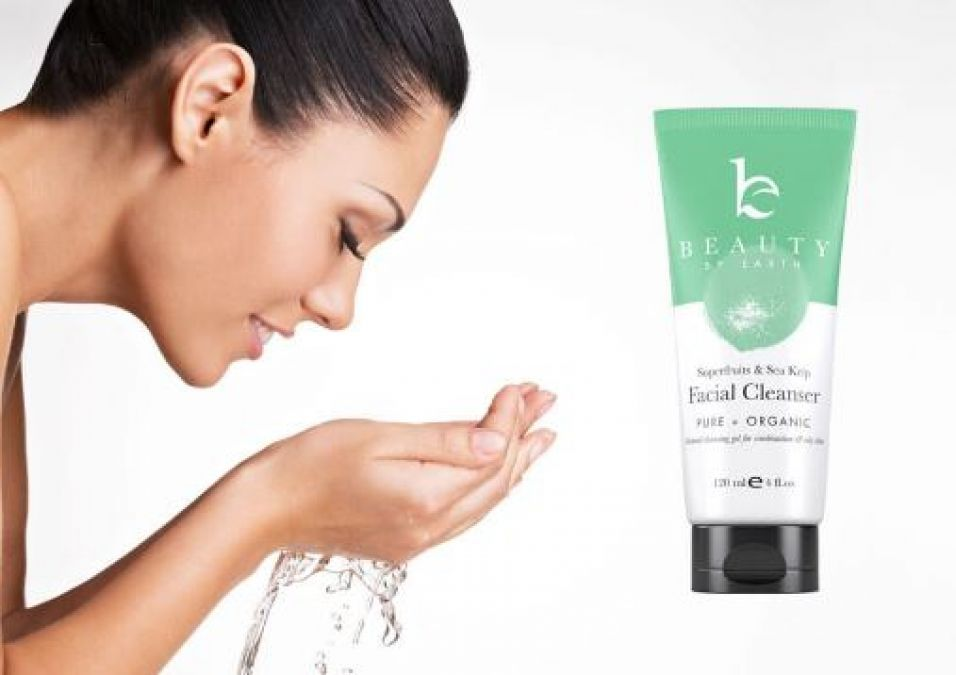 5 Best Ways To Cleanse Your Skin Naturally