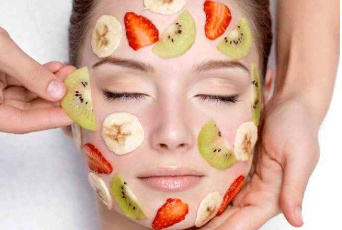 त्वचा में ग्लो लाने के लिए करें इन फलों का इस्तेमाल