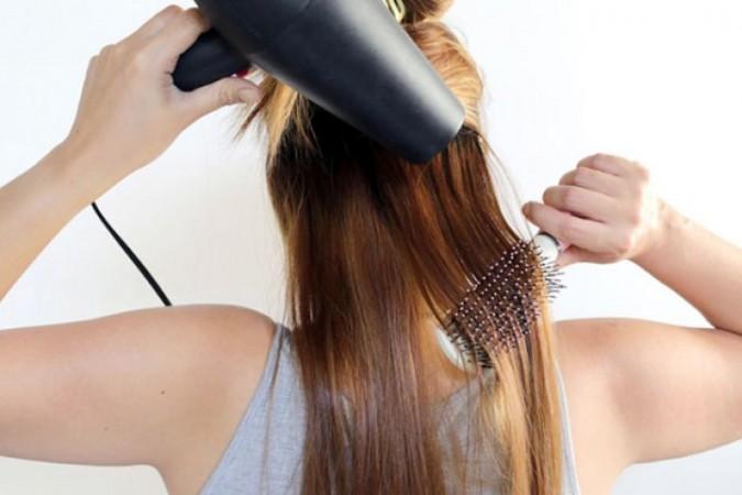 आपके बालों के लिए बड़ी परेशानी बन सकता है हेयर ड्रायर