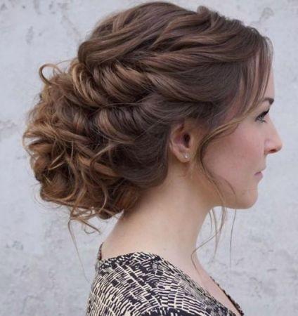 इस तरह बालों को बनाएं ट्रेंडी और स्टाइलिश