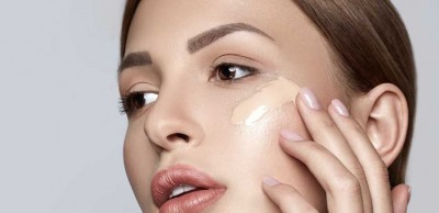 Follow these simple methods while applying foundation