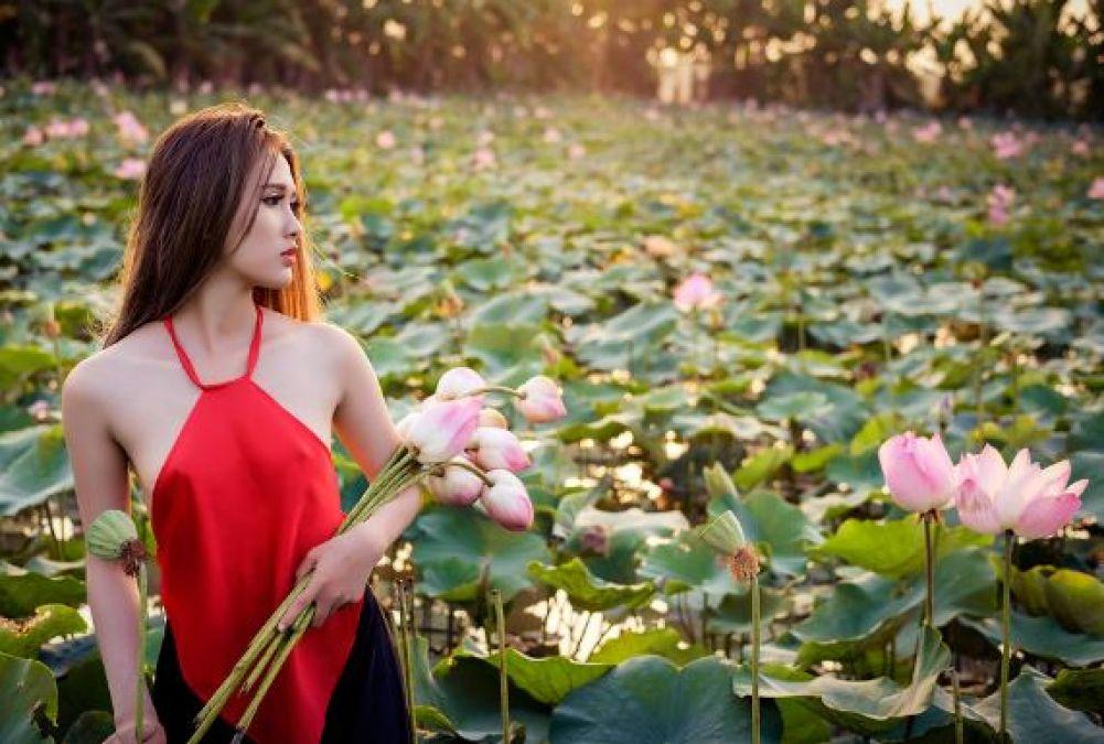 कमल का फूल भी बढ़ा सकता है आपकी खूबसूरती