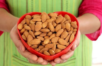 Eating Almonds Now Will Burn Fat, Know Its Other Benefits