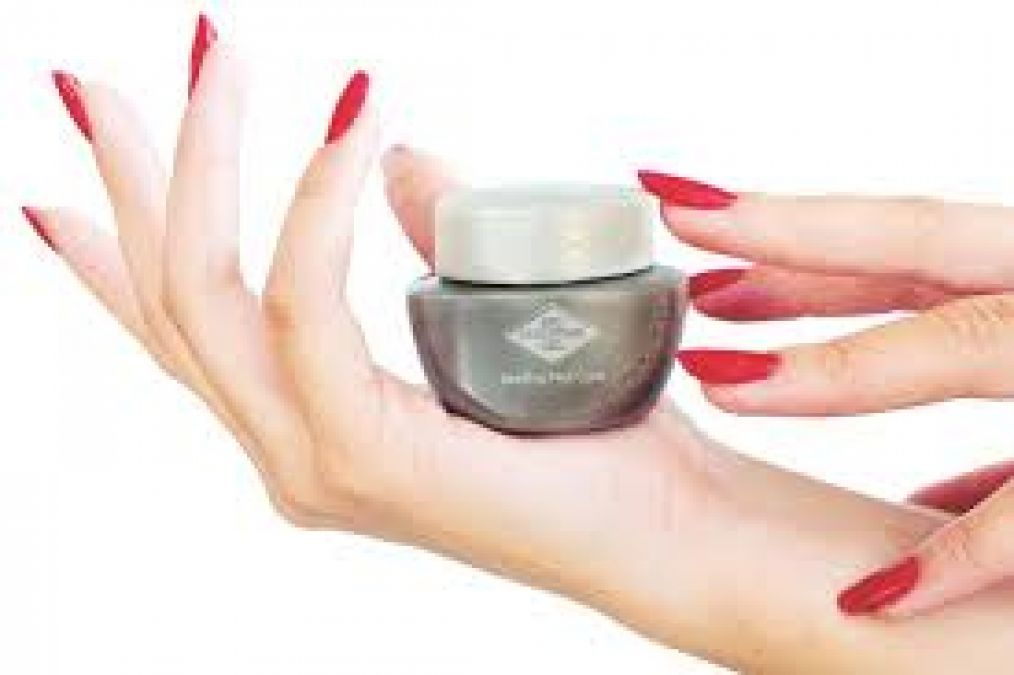 If the skin is coming out of the nails even after Manicure, then treat it in this way