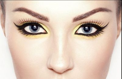 How to Get a Bold, Bright Makeup Look