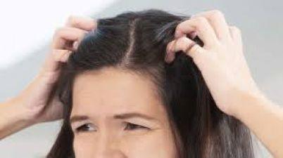 बालों में होने वाली खुजली से ऐसे पाएं निजात, नहीं होने दें पसीना