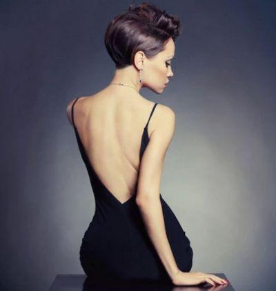 बैकलेस पहनना चाहते हैं कि पीठ को ऐसे बनाएं सुंदर