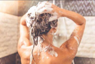 बालों में शैम्पू करने का सही तरीका, नहीं तो हो सकता है नुकसान