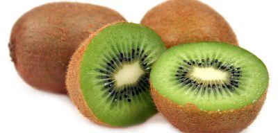 त्वचा को लंबे समय तक जवान बनाए रखता है कीवी फल