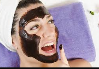 Now make chocolate face pack at home to get a glowing skin