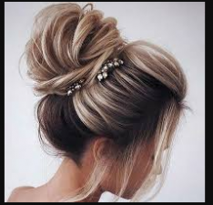 Try these hairstyles to look different and stylish