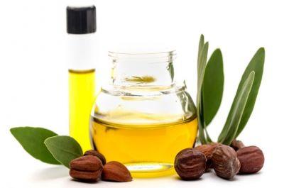 चेहरे की त्वचा को स्वस्थ रखें इन खास तेलों की मदद से