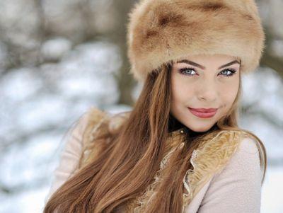 सर्दियों के मौसम में चेहरे की देखभाल करें इन खास फेस पैक के जरिये