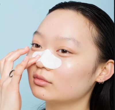 Follow these quick tips to remove blackheads and whiteheads