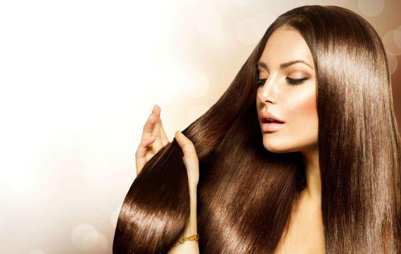 इस घरेलु नुस्खे से जल्द हो जायेंगे आपके बाल घने, लम्बे और मुलायम