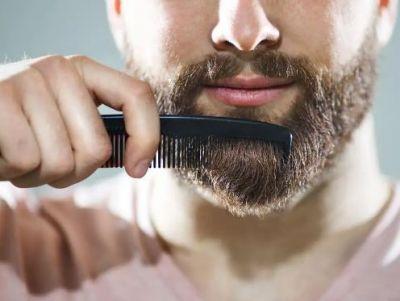 जानें क्यों होता है दाढ़ी में डैंड्रफ..