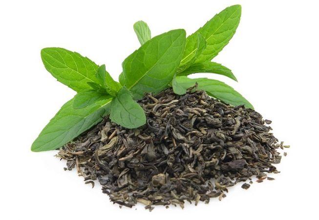 रूखे बालों की समस्या से छुटकारा दिलाता है चाय पत्ती का पानी