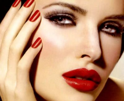 Try these makeup tips to look beautiful during festive season