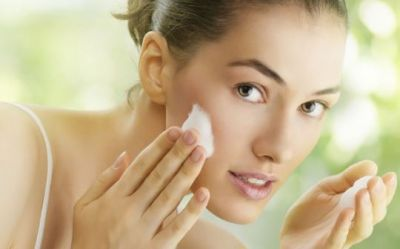 Adopt these tips to protect your skin in rainy season