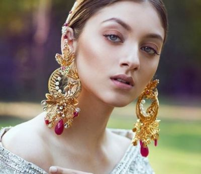 Long earrings hang your ears, know treatment!