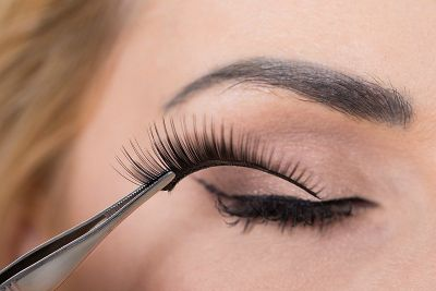 How To Apply False Eyelashes at home without help of experts