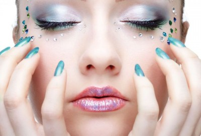 Embellish your nails with these arts and tricks