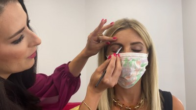Makeup can also be done with mask, follow these tips