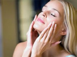 Follow these steps to keep the skin beautiful with increasing age