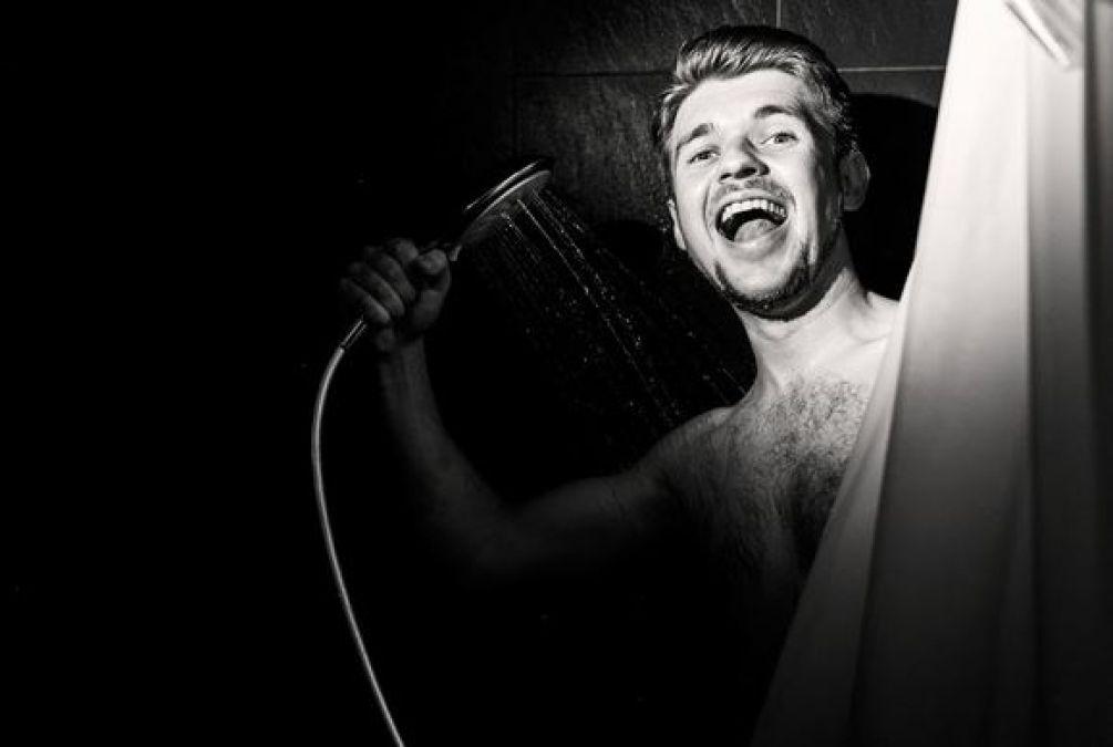 सुबह ही नहीं रात में भी करें स्नान, होते हैं लाजवाब फायदे