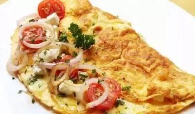 अगर आप भी नाश्ते में खाते हैं चीज़ वाला ऑमलेट तो बढ़ सकता है दिल का खतरा
