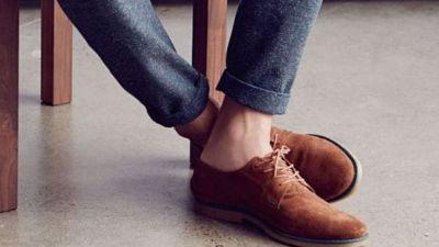 शरीर के लिए हानिकारक है बिना मोजे के जूते पहनना