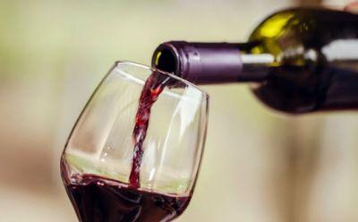 डिप्रेशन दूर करती रेड वाइन, स्टडी में हुआ खुलासा