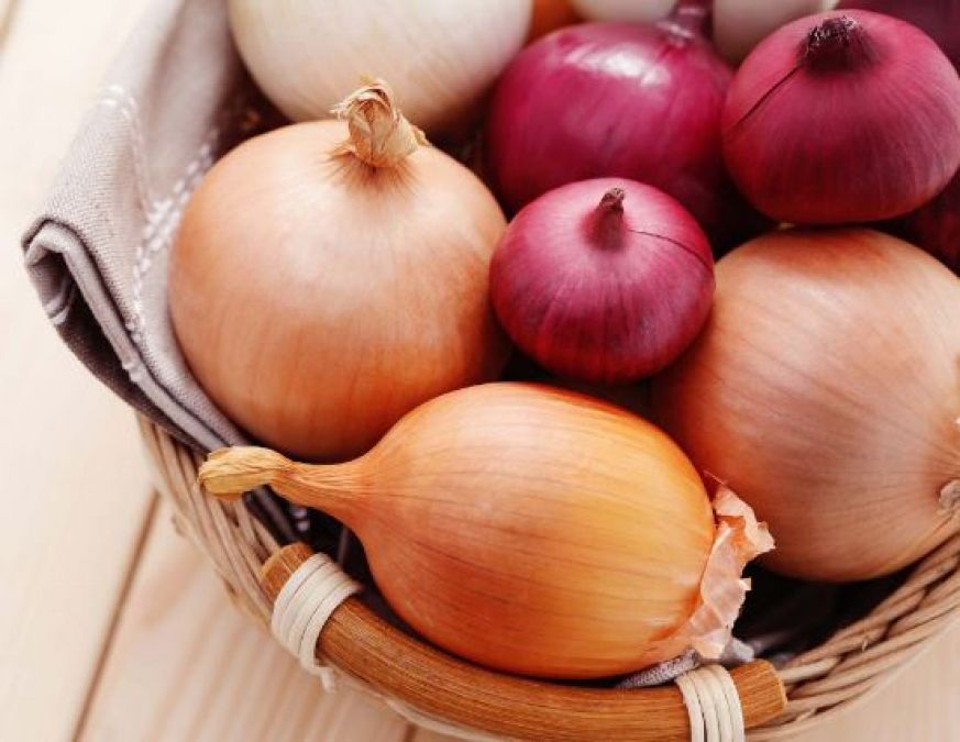 Use Onion Juice for Monsoon Infections: Benefits and Home Remedies