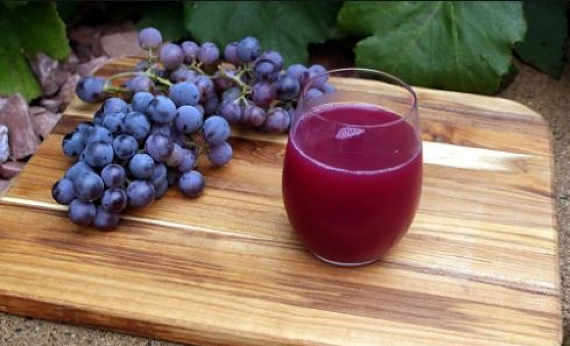 Grapes help to get rid of  migraine, learn other benefits