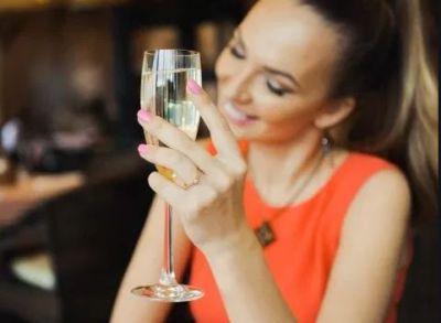 शराब पीने से होता है शरीर में ये बदलाव, जिसके कारण बन जाती है आदत