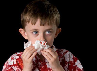 नाक से बहता है खून तो ना करें नज़रअंदाज़, हो सकती है ये खतरनाक बीमारी