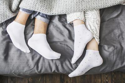 मोज़े पहनकर सोएं, पैरों की परेशानी होंगी दूर