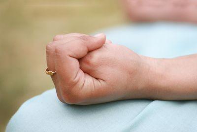 योग मुद्राओं से करें अपनी छोटी छोटी बिमारियों को दूर