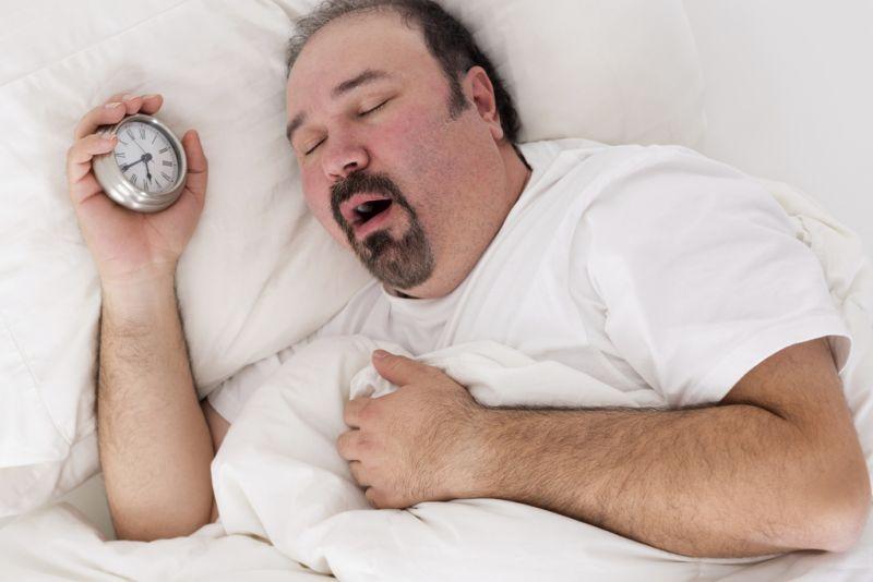 यदि आपको भी है नींद में बड़बड़ाने की समस्या तो इन उपायों से पाएं छुटकारा