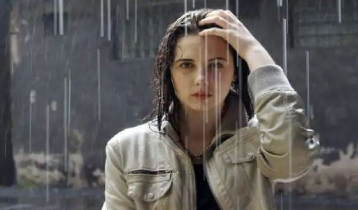 Getting out in wet Hair can lead to cough and cold, Know The Truth