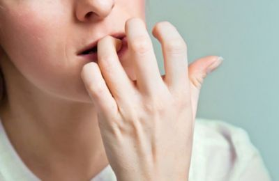 The habit of Biting nails can give you cancer