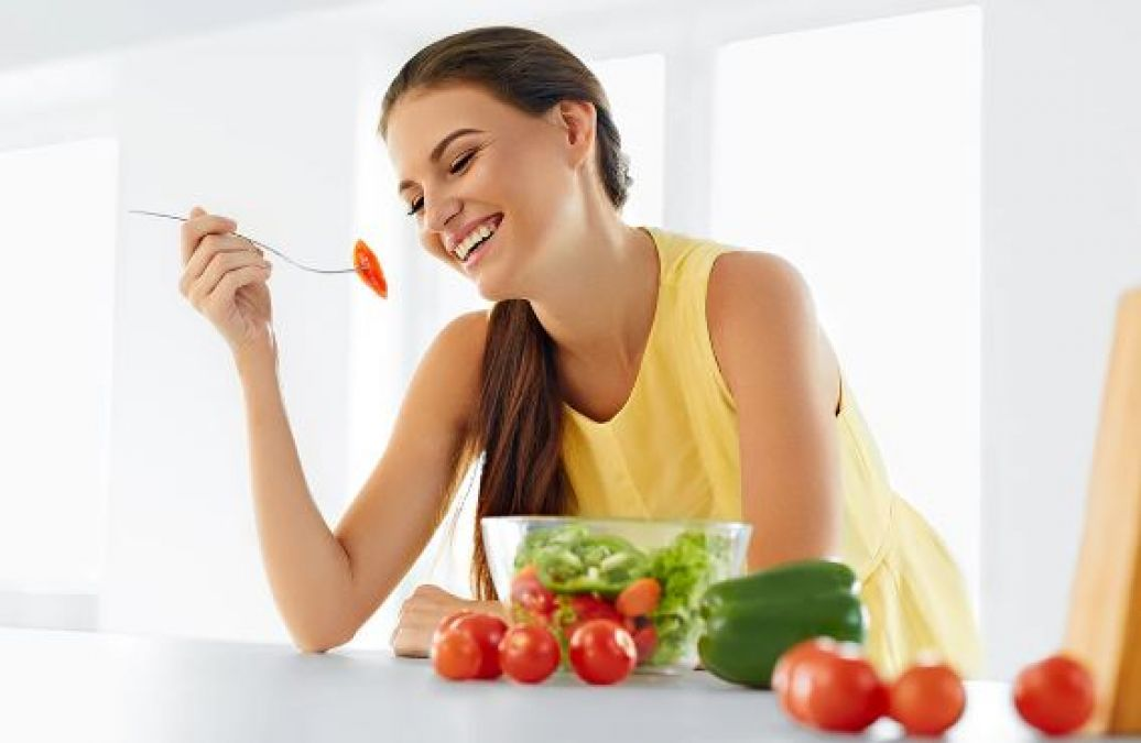 Follow these diets to keep yourself fit and healthy in monsoons!