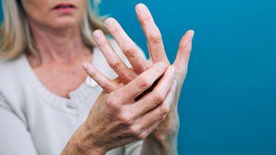जानिए क्या है महिलाओं में रूमेटाइड अर्थराइटिस के लक्षण