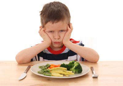 आपका बच्चा भी करता है खाने में नखरे तो अपनाएं ये तरीके