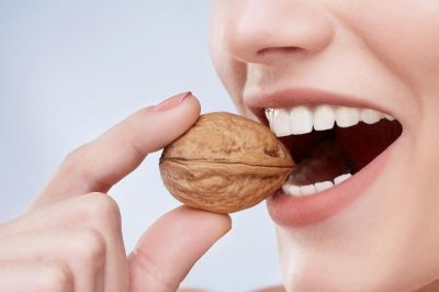 Include these things in your Diet to make teeth stronger