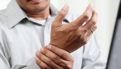 ये चीजे बढ़ा सकती है आर्थराइटिस का दर्द
