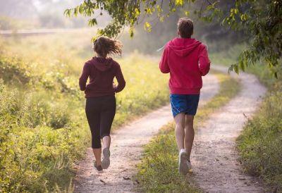दौड़ना सेहत के लिए है जरुरी, लेकिन दौड़ने से पहले जान लें ये बातें