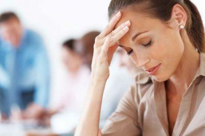 सिर दर्द से ऐसे पाएं छुटकारा, करें देसी इलाज