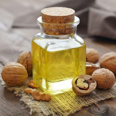 फंगल इंफेक्शन को दूर करने में सहायक होता है अखरोट का तेल