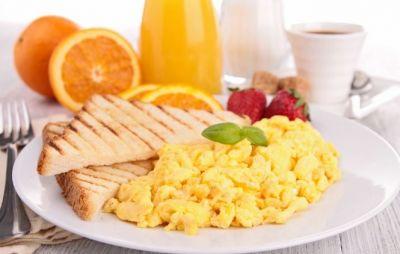 नाश्ते में भूलकर भी ना खाएं ये चीज़ें...